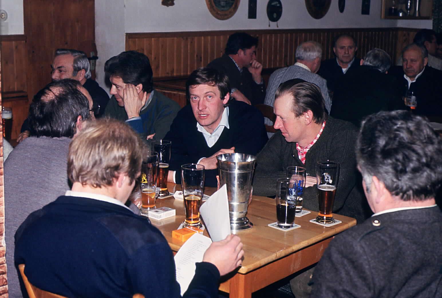 Gemeindepokal 1983 Bildmitte Balthasar und Georg Ailer